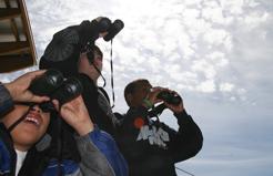 kids-with-binoculars